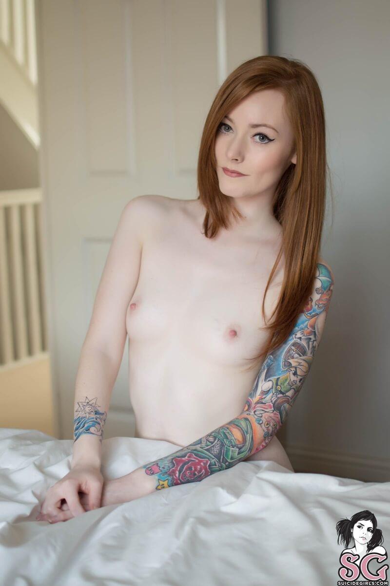 Ruivinha sensual e gostosa com tesão peladinha muito linda d