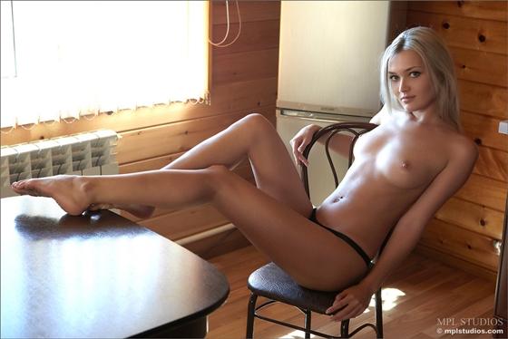 очень милые девушки голые фото