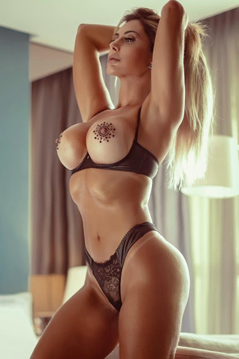 45 fotos de mulheres peladas mostrando os peitões delicia