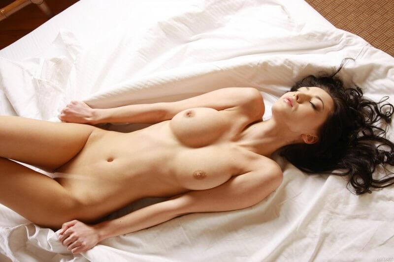 Peitudas peladinhas com tesão muito lindas e sensuais