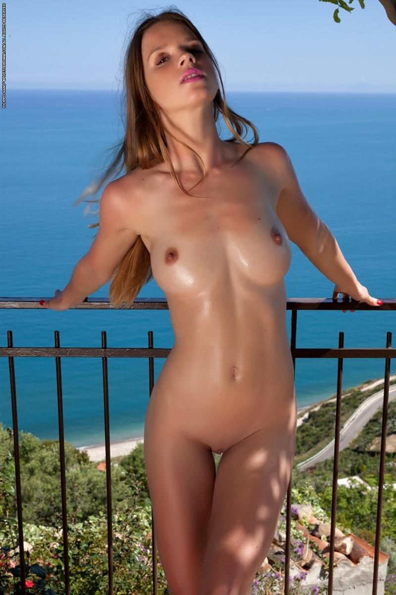 Peitos Épicos #44 peitos lindos e grandes bem delicia e empinadinhos nas mais