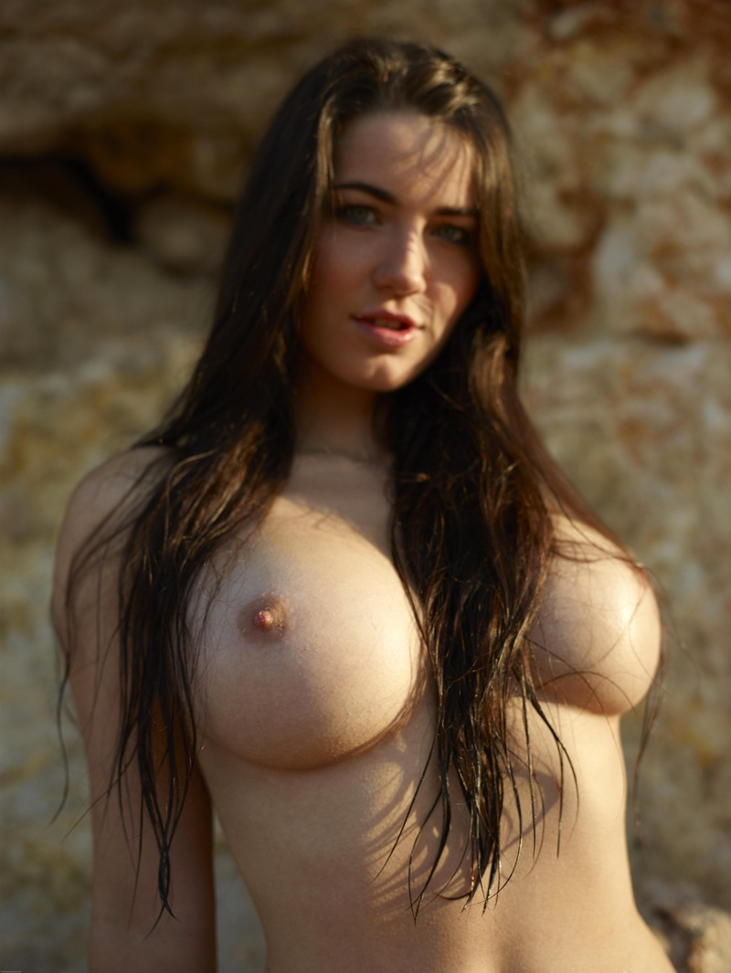 Peitões grandes delicia mulheres peladinhas bem safadas