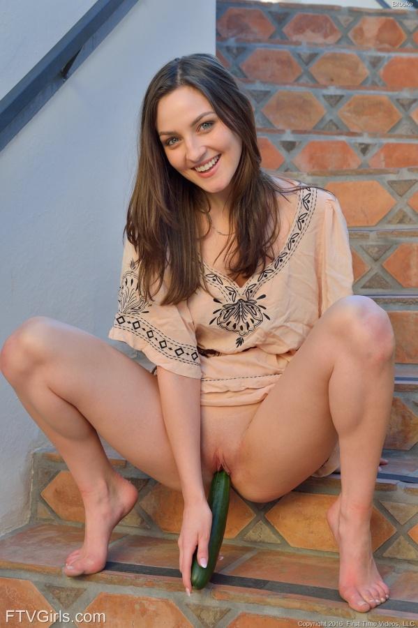 Pepper linda mulher com um corpo perfeito e um rostinho lindo.