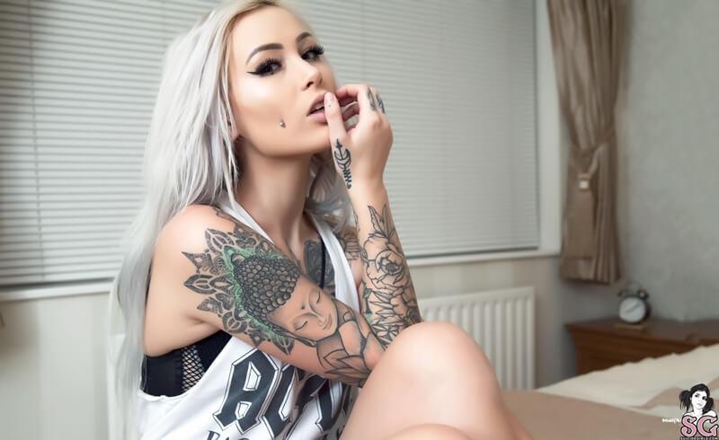 Princessshawbs Suicide Girls loirinha linda e sexy bem safadinha com tesão pelada