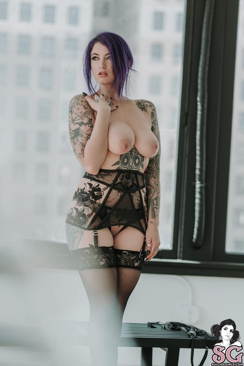Peituda gostosa e safada de lingerie sexy muito tesuda