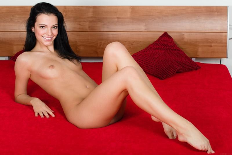 Sapphira A morena sexy e gostosa pelada com tesão bem safada