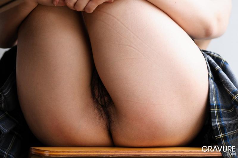 Japinha da bucetona peluda gostosa colegial