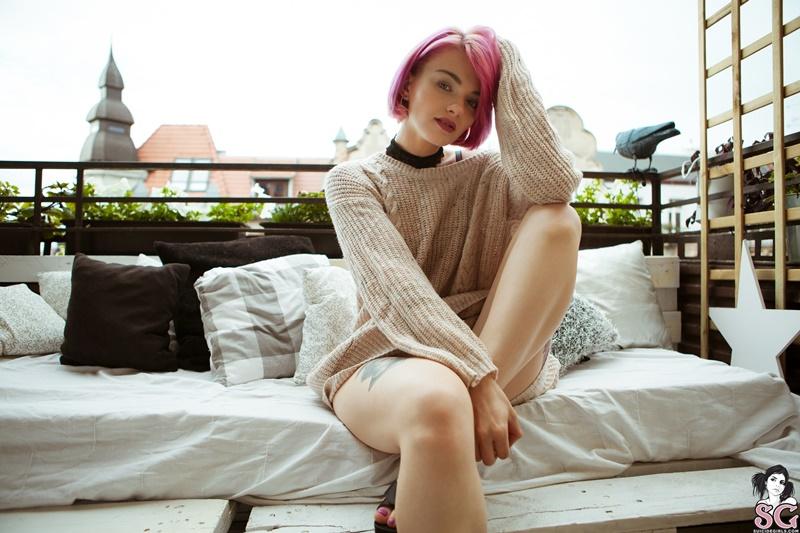 Sinni Suicide Girls novinha sexy e gostosa peladinha bem safada delicia