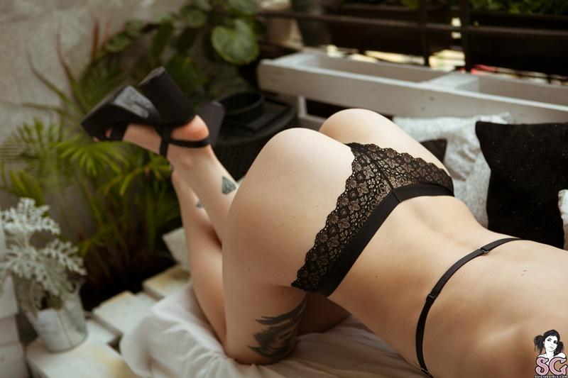 Novinha sexy e gostosa peladinha bem safada delicia