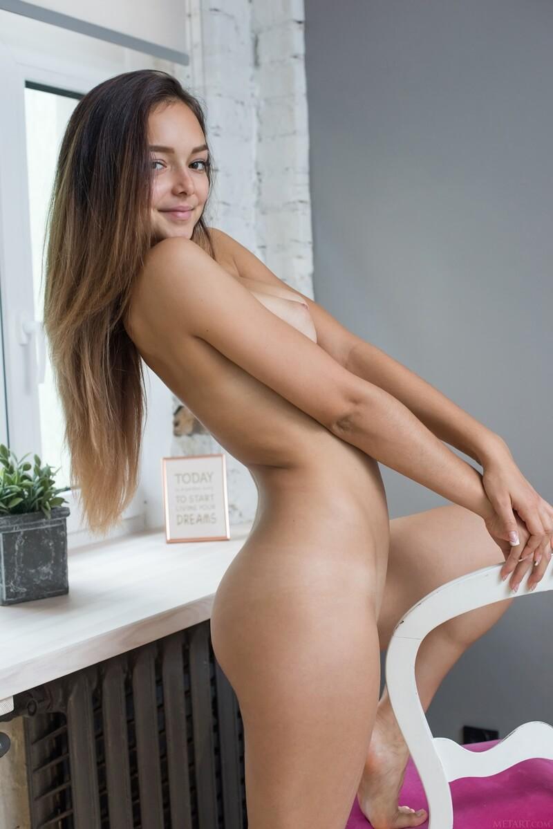 Ninfeta gostosa de lingerie bem delicia com tesão peladinha