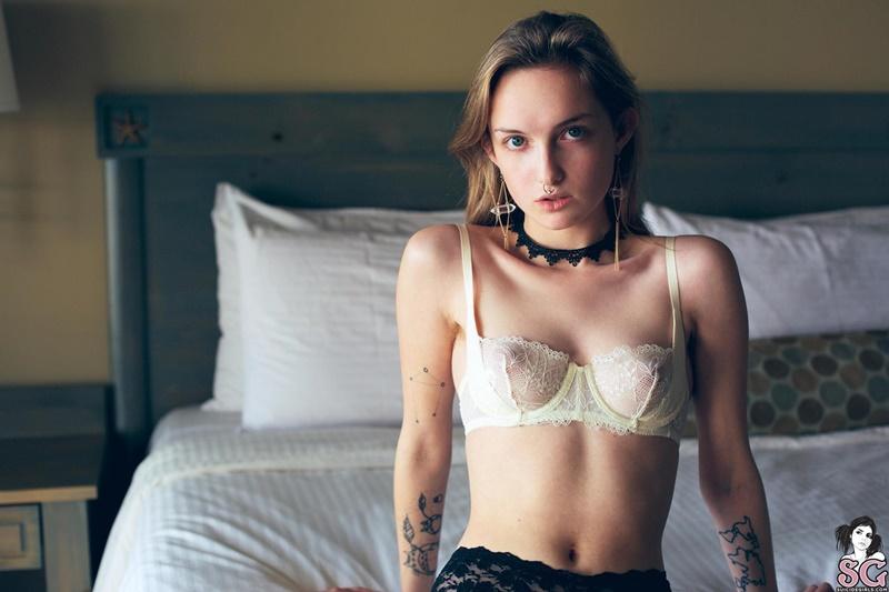 Spectralnomadic Suicide Girls magrinha gostosa ninfeta da buceta peluda delicia