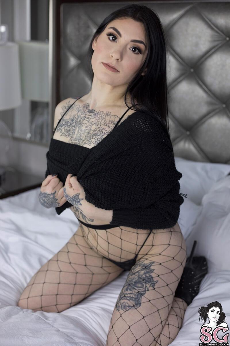 Morena peituda bem safada de lingerie sexy muito gostosa