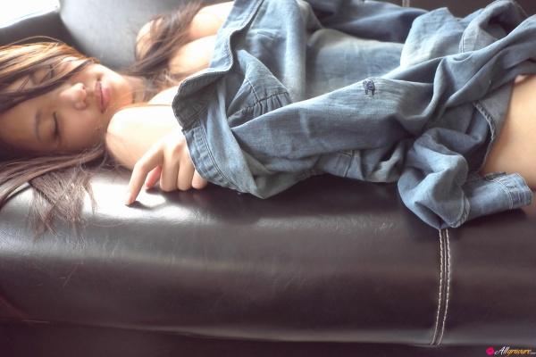 Yuki Mogami fotos e vídeos da japinha nua linda com bucetinha gostosa