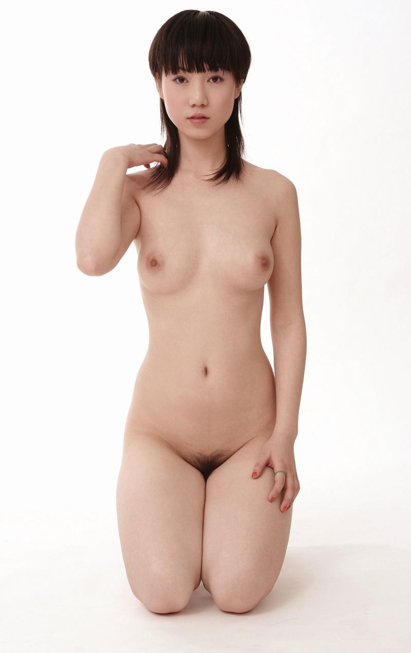 Oriental safada buceta peluda com tesão delicia peladinha