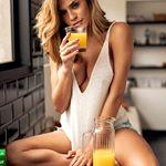 Um suquinho de laranja para hidratar